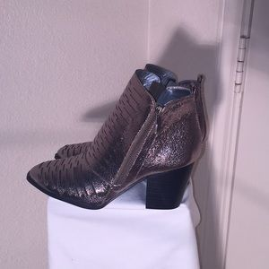 Qupid Ankle Boots Gold